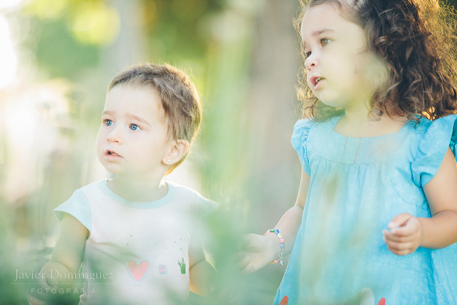 Abril y Naia ( Fotografía infantil )